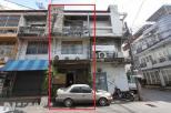 ตึกแถว 3 ชั้น 15 ตรว ติดถนน ซ.เอกมัย28